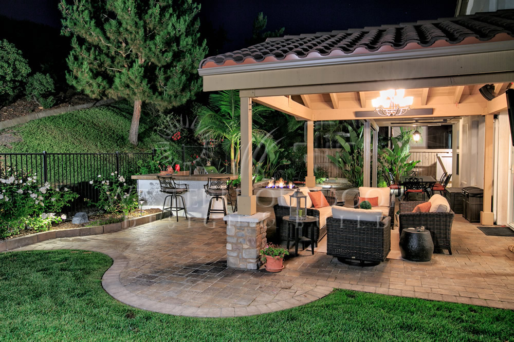 Outdoor living spaces design custom homes for Outdoor living space plans