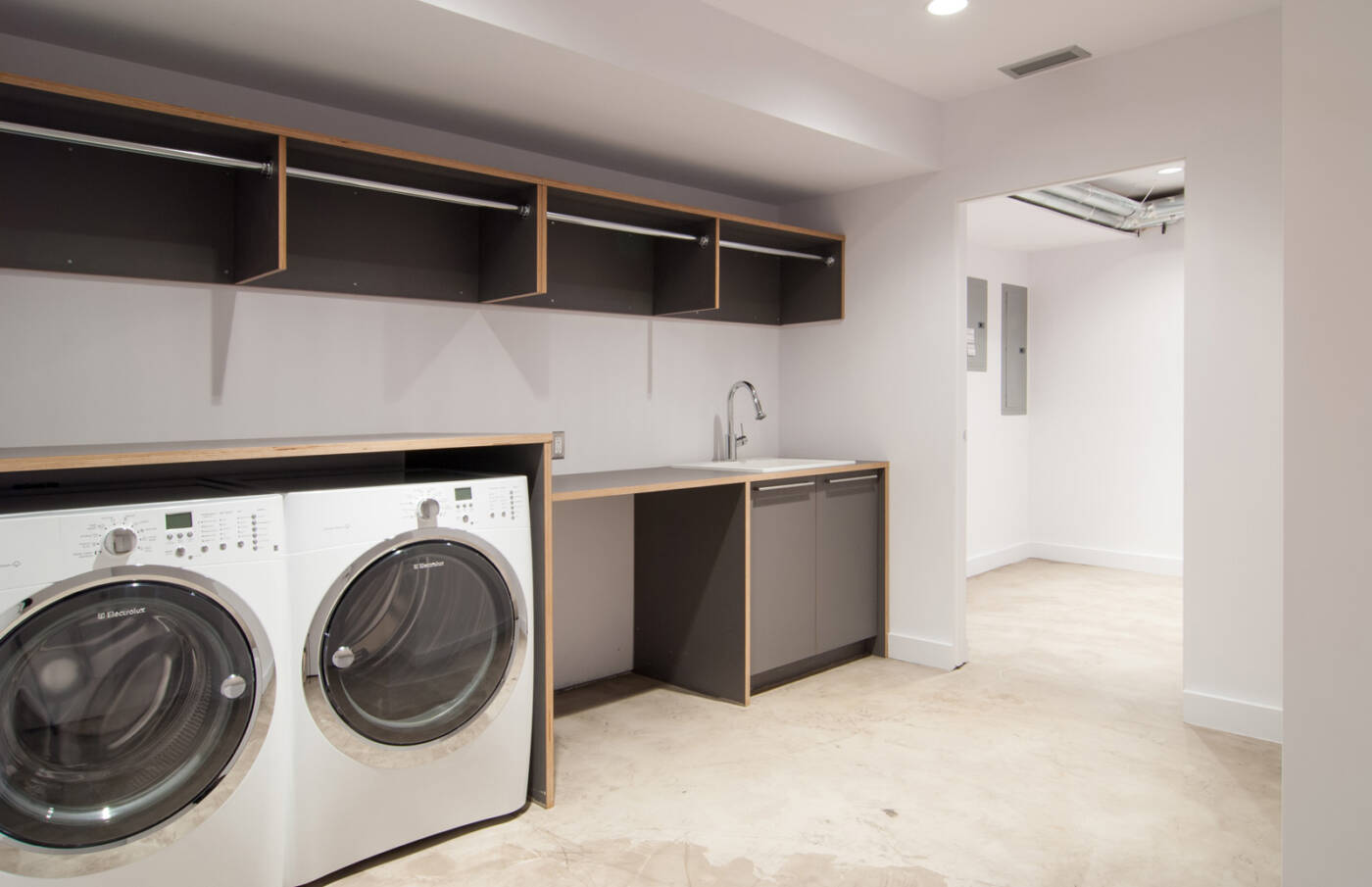 Designing a mud or laundry room design custom homes for Cost to build a mudroom