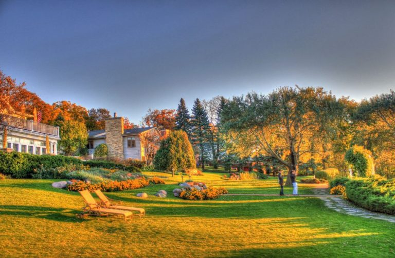 October Yard and Garden Chores for Wisconsin Homes