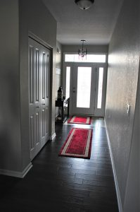 19 Windsor Corner Entryway